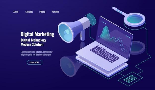 Цифровой маркетинг и продвижение, интернет реклама, динамик с ноутбуком и увеличительное стекло