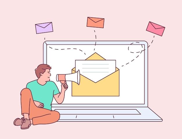 디지털 마케팅, 이메일 캠페인 개념. 젊은 남자는 확성기와 말하기 들고 노트북에서 소년.