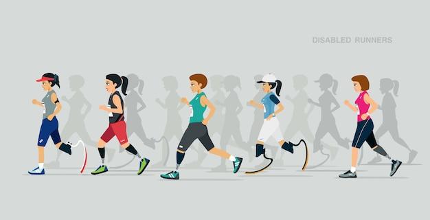 障害のある女性ランナーは灰色の背景と競争します