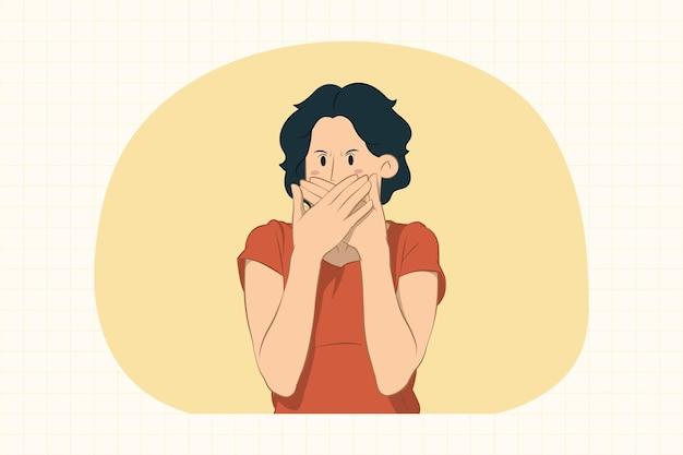 Недовольная молодая женщина, закрывающая рот руками