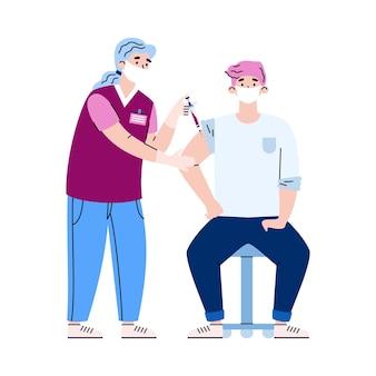 マスクと手袋をはめた医師が、男性患者にコロナウイルスワクチンを注射する