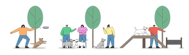 개 훈련 개념입니다. 행복한 사람들은 도시 공원이나 지역에서 개를 훈련시키고 있습니다. 공원에 있는 개 놀이터. 남자와 여자는 공공 공원에서 강아지와 함께 산책. 만화 선형 개요 평면 벡터 일러스트 레이 션