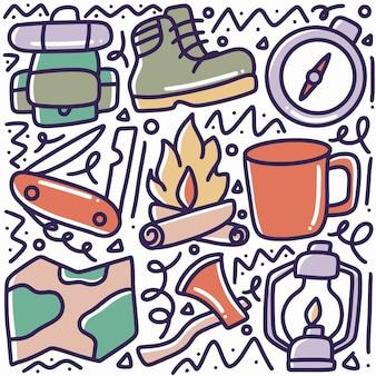 アイコンとデザイン要素で手描きのキャンプツールの落書きセット