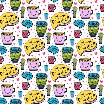 Симпатичные каракули чай и кофе. doodle смайлик чашки бесшовного фона. вектор милый узор