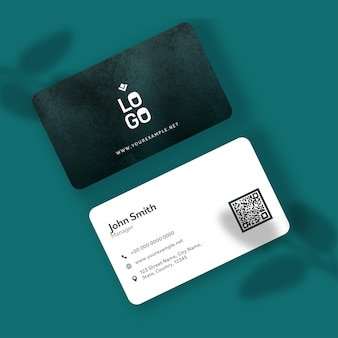 두 배 측 사업 또는 녹색과 백색 색깔에있는 방문 카드