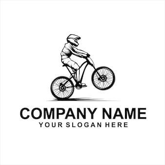 下り坂の自転車のロゴのベクトル