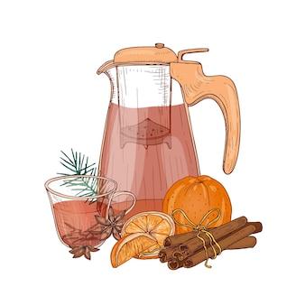 흰색 배경에 분리된 스트레이너, 겨울 과일 차, 신선한 오렌지, 계피, 스타 아니스가 있는 유리 투수의 그림. 맛있는 제철 따뜻한 음료. 현실적인 벡터 일러스트 레이 션.