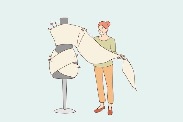 양재 및 패션 디자인 컨셉입니다. 바느질 드레스 또는 의상 벡터 일러스트 레이 션을 만들기 위해 섬유를 들고 서 있는 젊은 웃는 여자 만화 캐릭터