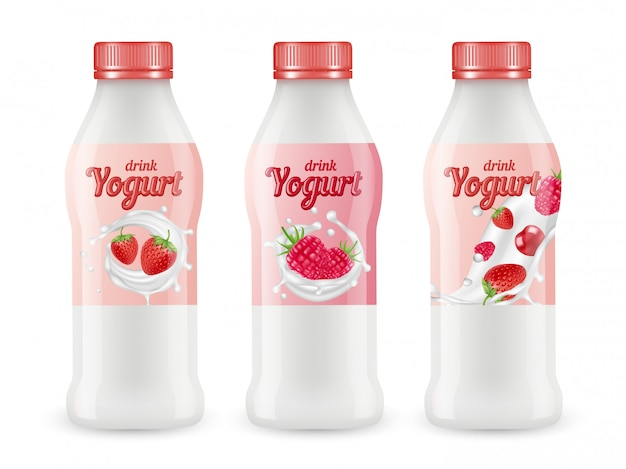 Пейте йогурт реалистичный набор. бутылки ягодного йогурта на белом фоне