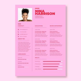 Modello di curriculum di due tonalità semplice nina rosa cool designer