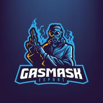 暗い青色の背景に分離されたスポーツとeスポーツのロゴの銃のマスコットイラストを保持している防毒マスクを持つ男