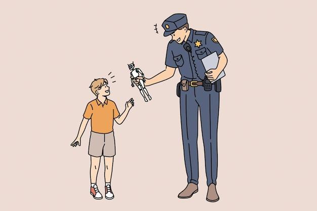 Концепция образования и полицейского. молодой улыбающийся полицейский мультипликационный персонаж стоял, давая игрушечного робота счастливому маленькому мальчику, заботящемуся о векторной иллюстрации
