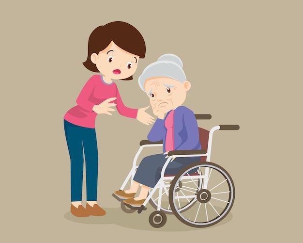 Пожилые грустные женщины утешают