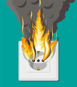 화재에 전기 콘센트. 네트워크 과부하. 단락. 전기 안전 개념. 연기와 불꽃에 벽면 소켓. 플랫 스타일의 일러스트레이션