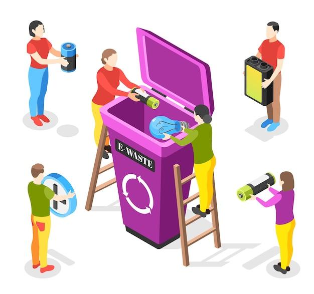 Composizione isometrica nell'immondizia elettronica con personaggi umani senza volto che tengono batterie scariche e lampade con illustrazione del bidone della spazzatura
