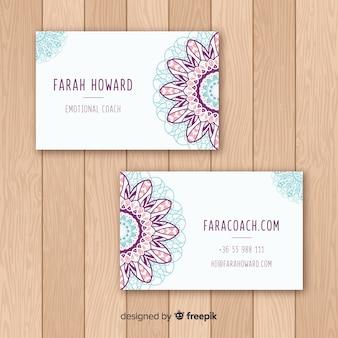 Элегантная визитная карточка с концепцией мандалы