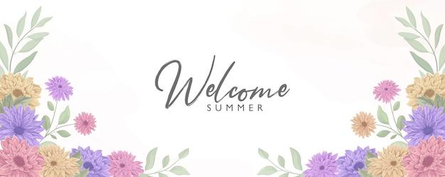 여름 테마와 우아한 꽃 배너