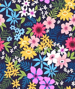 작은 화려한 꽃에 우아한 꽃 패턴입니다. 자유 스타일. 패션 인쇄 꽃 원활한 배경입니다. 칙칙한 인쇄. 원활한 벡터 텍스처입니다. 봄 부케.