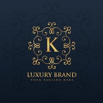 手紙kのための美しい花のモノグラムのロゴ