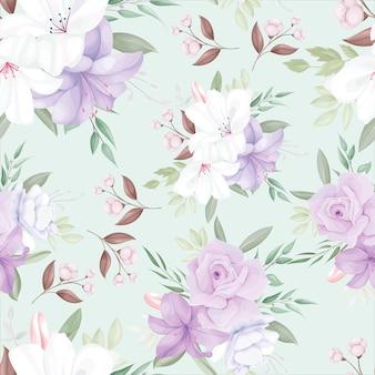 美しい白と紫の花と葉を持つエレガントなシームレスパターン
