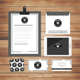 Elegant stationery in black and white for restaurant