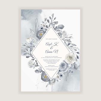 Элегантная акварельная свадебная открытка с темно-синими и белыми цветами