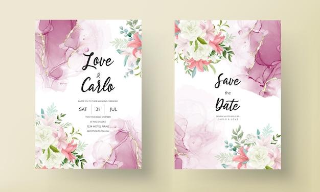 Elegante invito a nozze con bellissimi fiori e foglie disegnati a mano