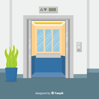 ドアが開いたエレベーター