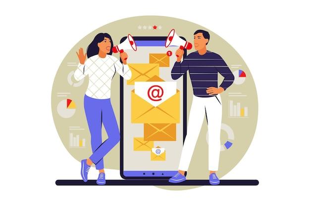 이메일 캠페인 개념입니다. 신청. 사람들은 스마트폰에서 이메일 마케팅을 사용합니다. 벡터 일러스트 레이 션. 평평한.