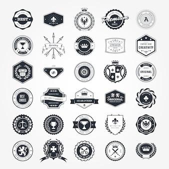 Набор эмблем, значков и ретро-печатей - гербов и этикеток