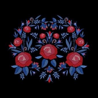 バラの花、つぼみ、葉の刺繍の構成。サテンステッチ刺繍花柄