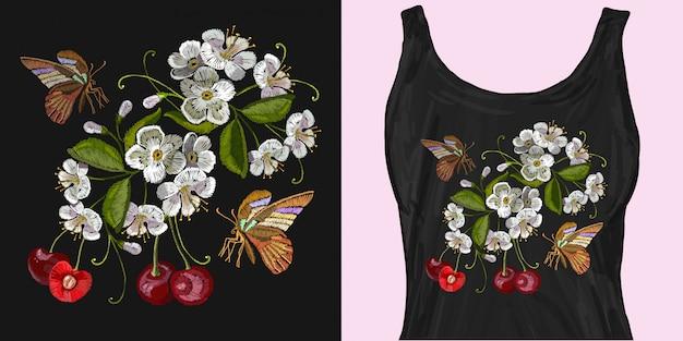 刺繍桜の木と蝶