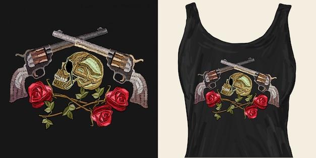 刺繍の頭蓋骨、交差した銃とバラ