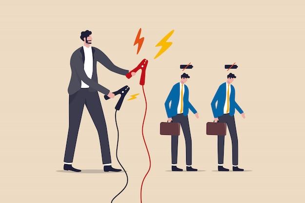 従業員が充電して生産性を高め、仕事のエネルギーを高め、長時間のコロナウイルス検疫コンセプトの後で充電します。マネージャーは、低バッテリーの従業員を充電する準備ができている巨大な充電ケーブルを持っています。