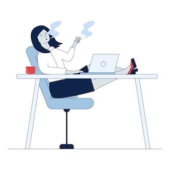 Сотрудник курит на рабочем месте