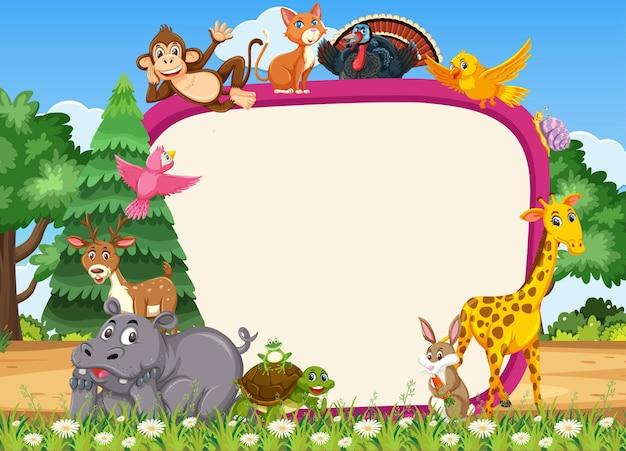 Пустой баннер с различными дикими животными в лесу