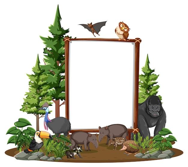 Пустой баннер с дикими животными и деревьями тропических лесов на белом фоне
