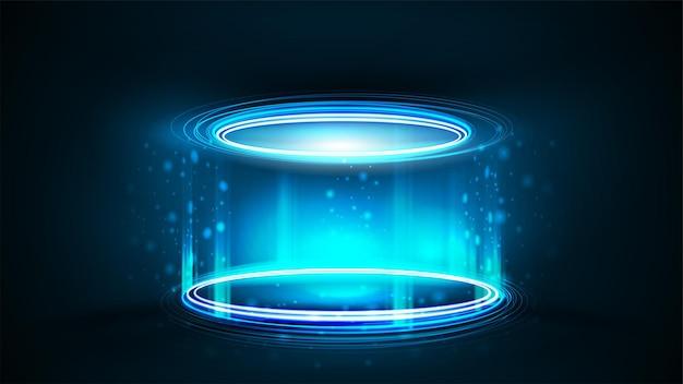 製品プレゼンテーション、リアルなイラストのための空の青いネオン表彰台。暗い部屋で粒子と光沢のあるリングを持つ円筒形の青いデジタルホログラム表彰台