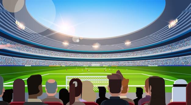 空のフットボールスタジアムフィールドシルエットを待っているファンの一致背面ビューフラット水平