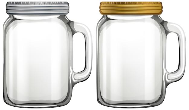 白い背景の空のガラスの瓶