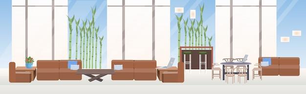 空のない人々の創造的なコワーキングセンター現代的なワークスペースモダンなオフィスインテリア水平バナー