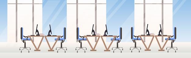 Пусто люди две стороны рабочее пространство современный центр совместной работы рабочие столы с компьютерными мониторами офис интерьер горизонтальный баннер