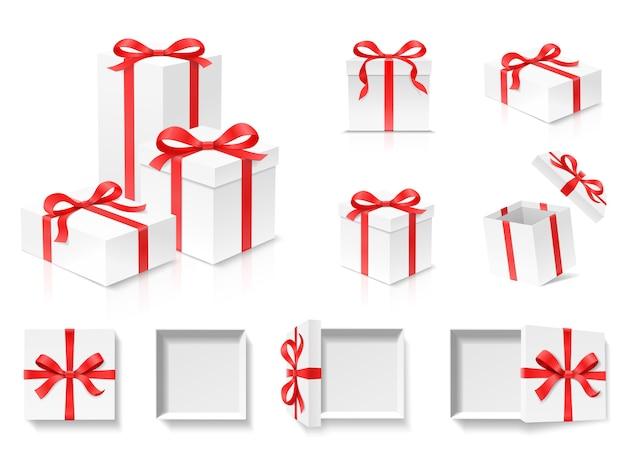 붉은 색 나비 매듭 및 리본 흰색 배경에 빈 오픈 선물 상자 세트. 생일 축하, 크리스마스, 새해, 결혼식 또는 발렌타인 데이 패키지 개념. 근접 촬영 그림