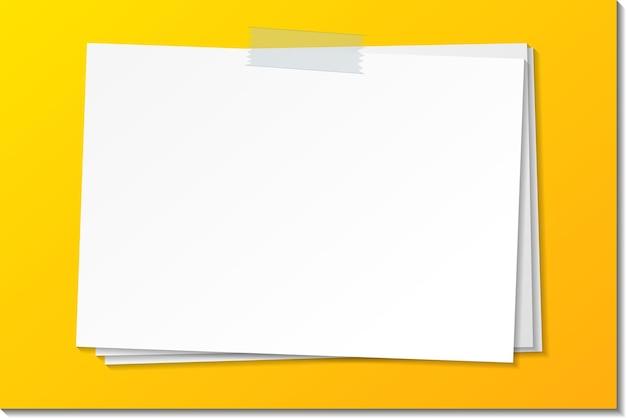 Пустой шаблон бумажной заметки придерживается ленты