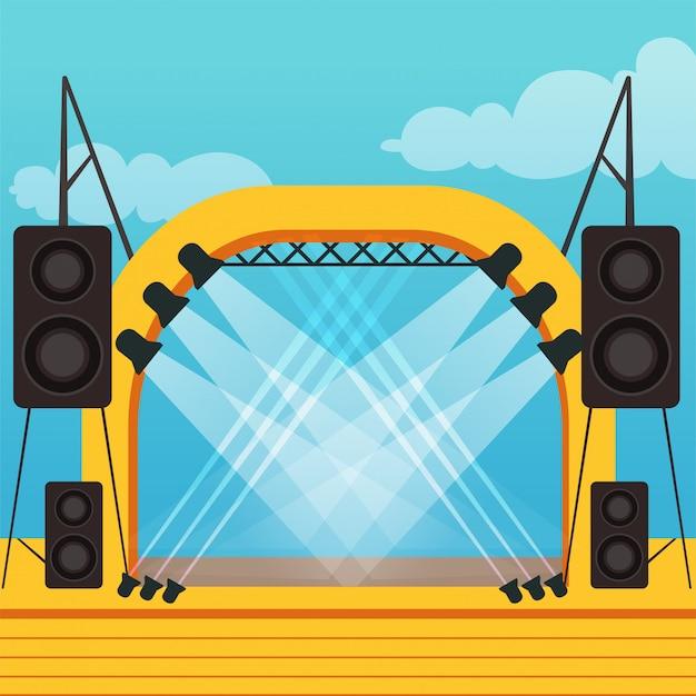 야외 축제 또는 음악 콘서트를위한 빈 무대. 전문 조명 및 음향 장비를 갖춘 야외 장면. 화려한 만화