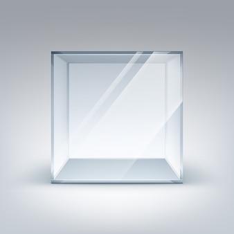 Пустой прозрачный стеклянный ящик куб на белом фоне