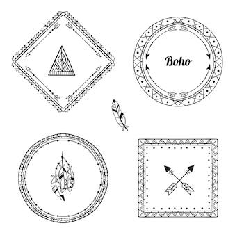 Confezione di cornici boho disegnate a mano con incisione
