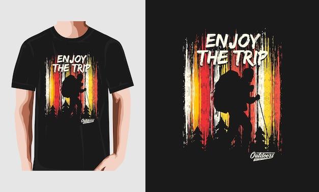 Наслаждайтесь поездкой дизайн футболки винтаж ретро premium векторы