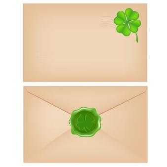 왁스 인감과 클로버가있는 봉투