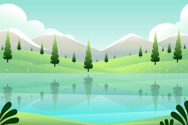 常緑樹と湖の春の風景